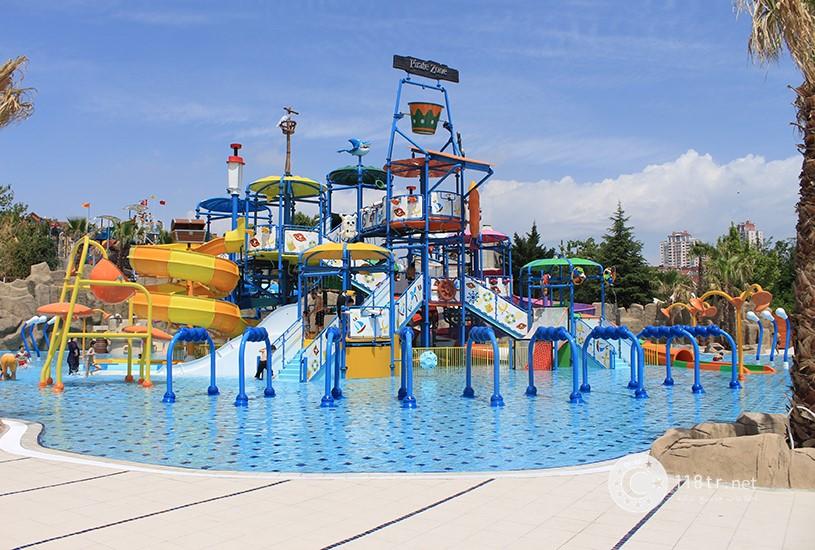 پارک آبی آکوا کلاب دلفین استانبول 4