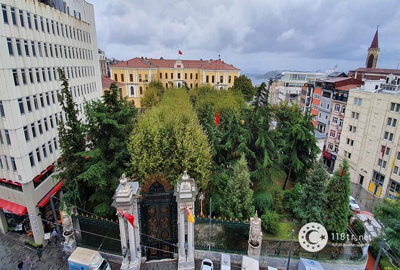خیابان استقلال استانبول 12