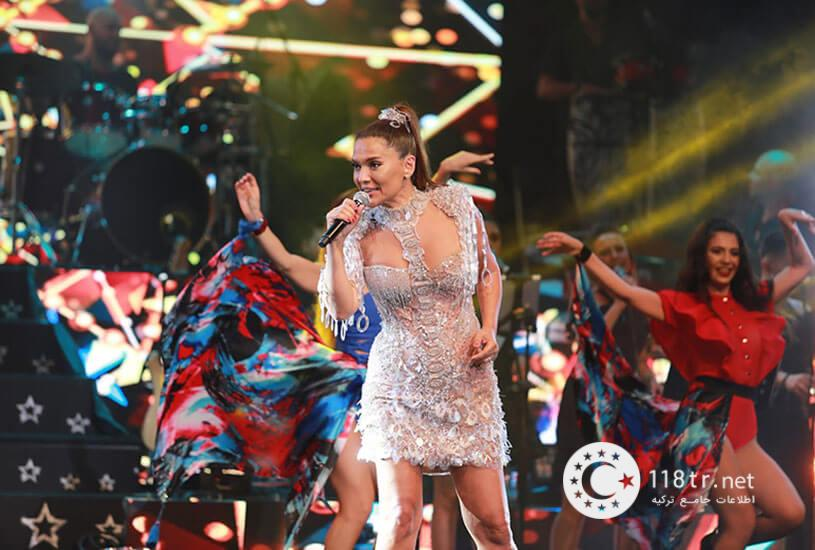 دمت آکالین خواننده مشهور ترکیه 2