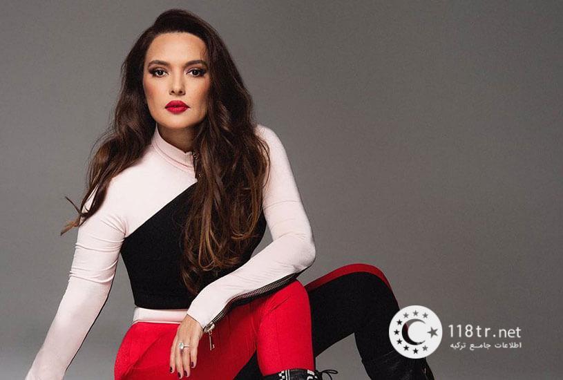 دمت آکالین خواننده مشهور ترکیه 5